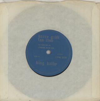 Barry-Gibb-King-Kathy-101543