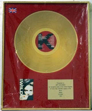 Kim-Wilde-Close---Gold-608914
